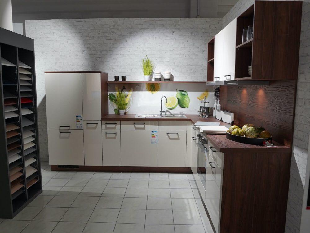 Express moderne L-Küche Lacklaminat Magnolie Hochglanz Nussbaum Arbeitsplatte
