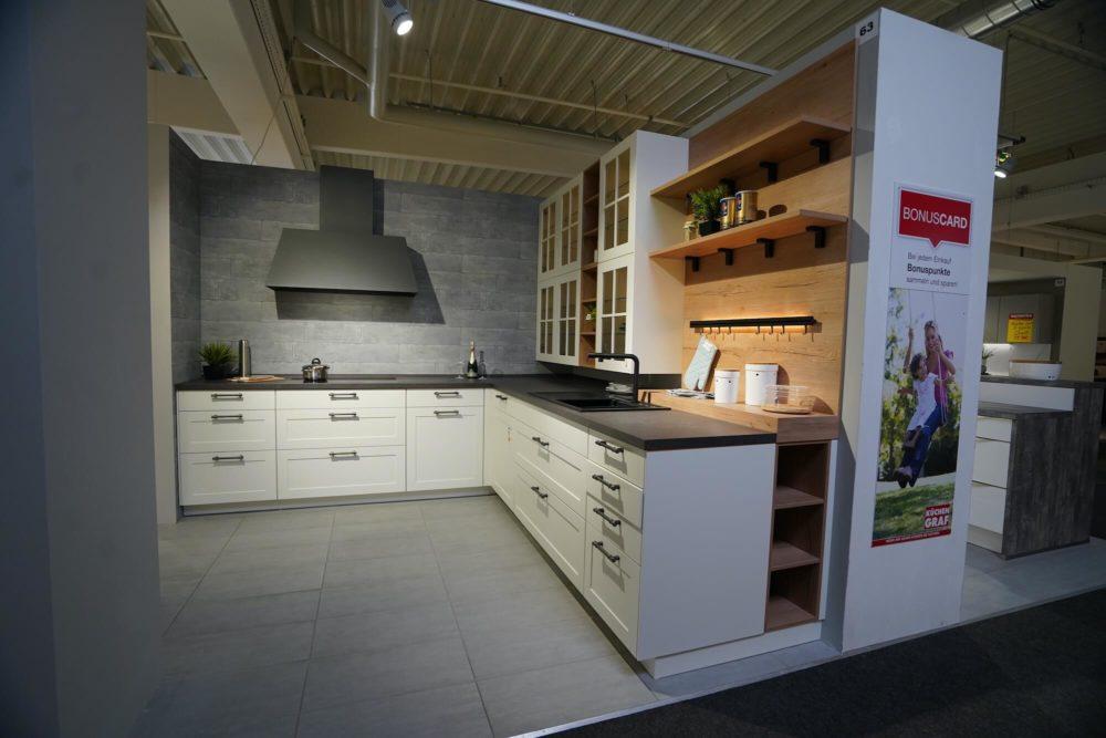 Landhaus Küche matt weiß L-Form Lack