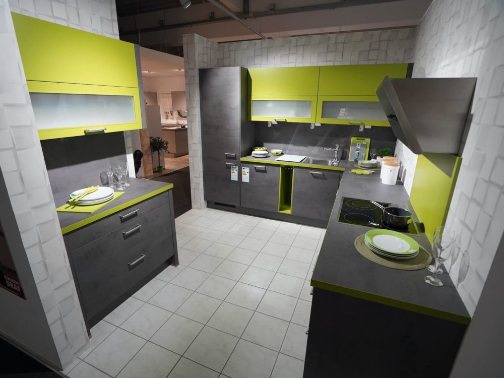 Nobilia Riva L-Küche Beton Schiefergrau Grün mit Wandschrank
