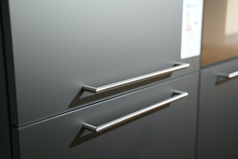 Nobilia matt Inselküche Artis Glas Titan Schiefergrau