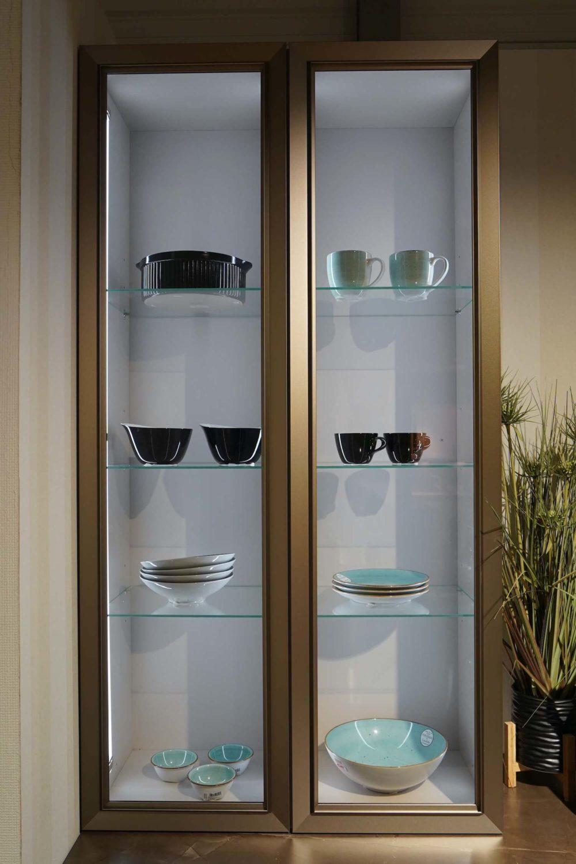 Nolte Design Inselküche Torino Lack Marmor und Hausgeräte Arbeitsplatte