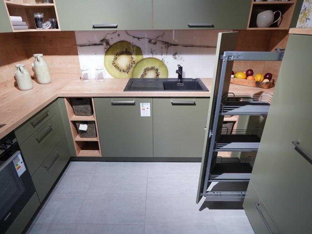 Nolte moderne L-Küche Lack Olive softmatt grün
