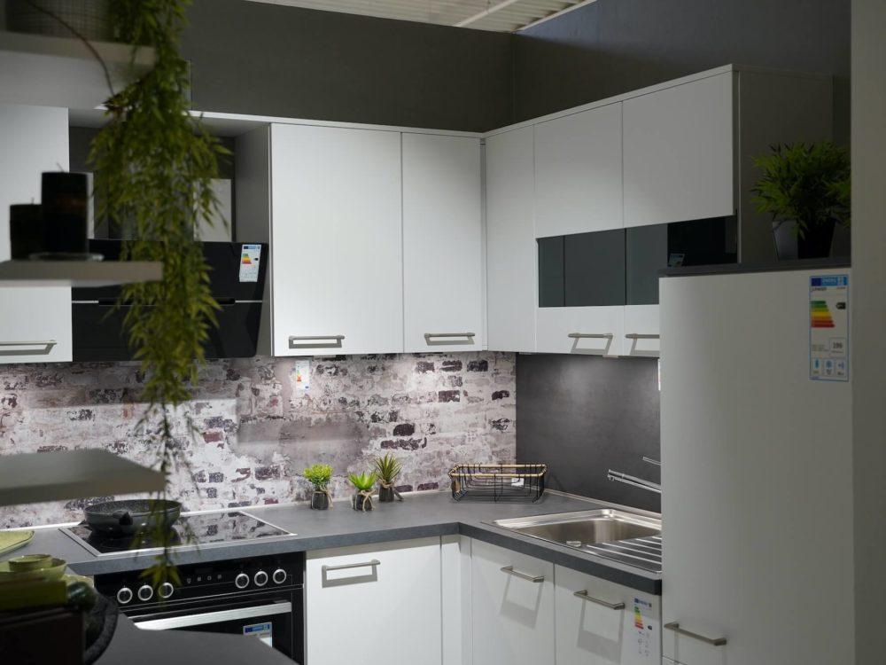 U Küche modern matt Lack weiß
