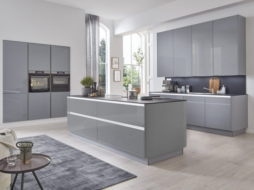 L-Küche Design Lack hochglanz Grau mit AEG E-Geräten