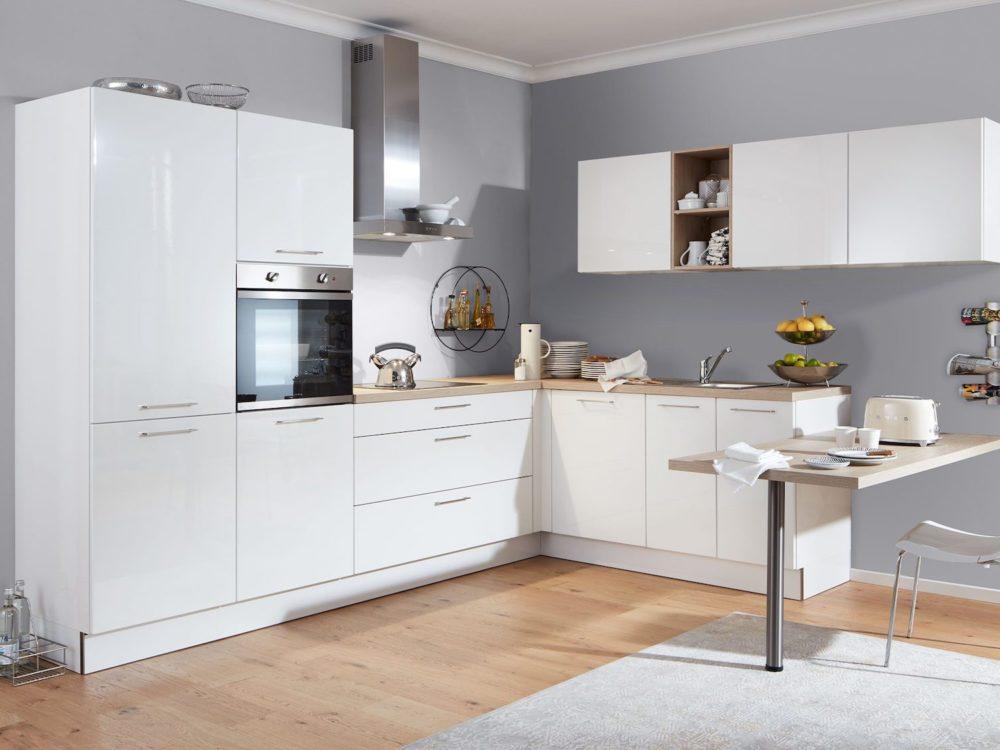 L-Küche modern weiß Lack Laminat Fronten Arbeitsplatte asteiche