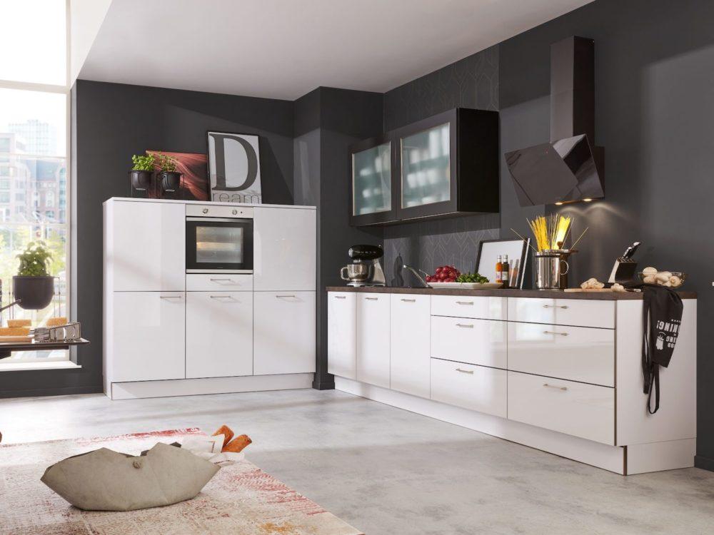 Moderne Küchenzeile Lack hochglanz artictic weiß mit Hochschrank