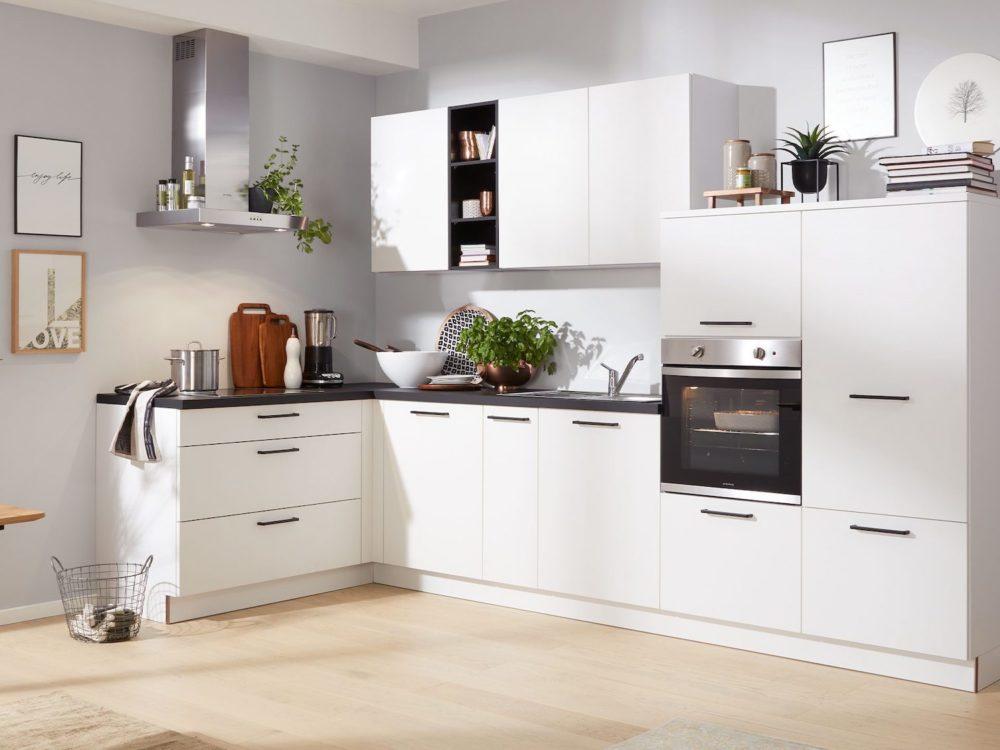 Moderne L-Küche weiß Matt Arbeitsplatte schwarz