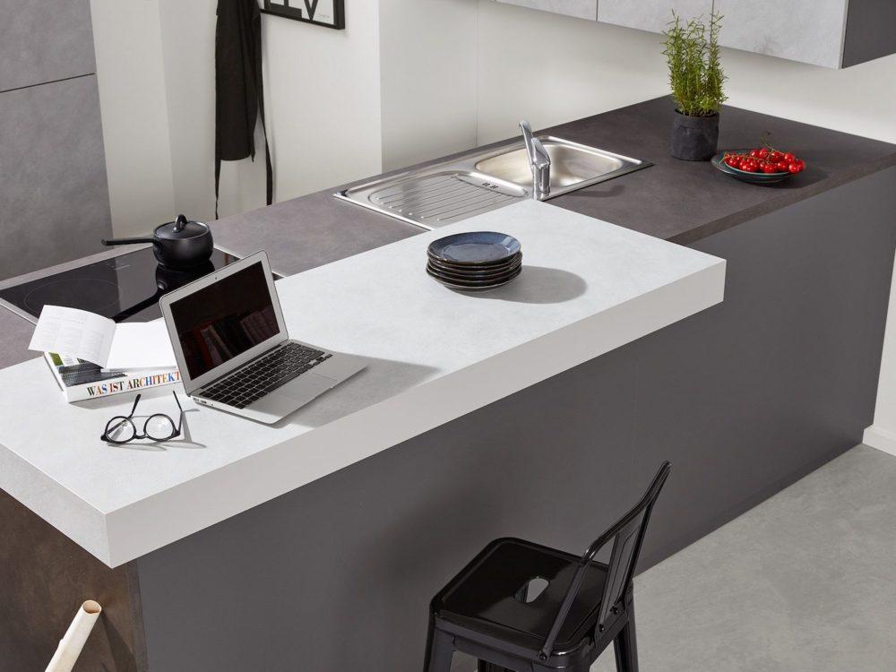 Zement anthrazit Design Küche L-Form mit Hochschrank und Esstheke