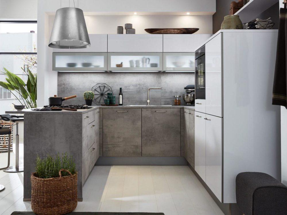 Moderne U-Küche Beton weiß