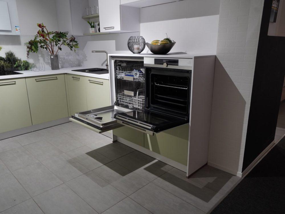U Küche Nolte Lack Avocado softmatt Constructa Backofen CF232253